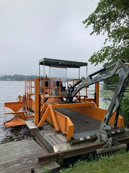 2017 Alpha Boats AM-2000 with Shore Conveyor and Tilt Trailer