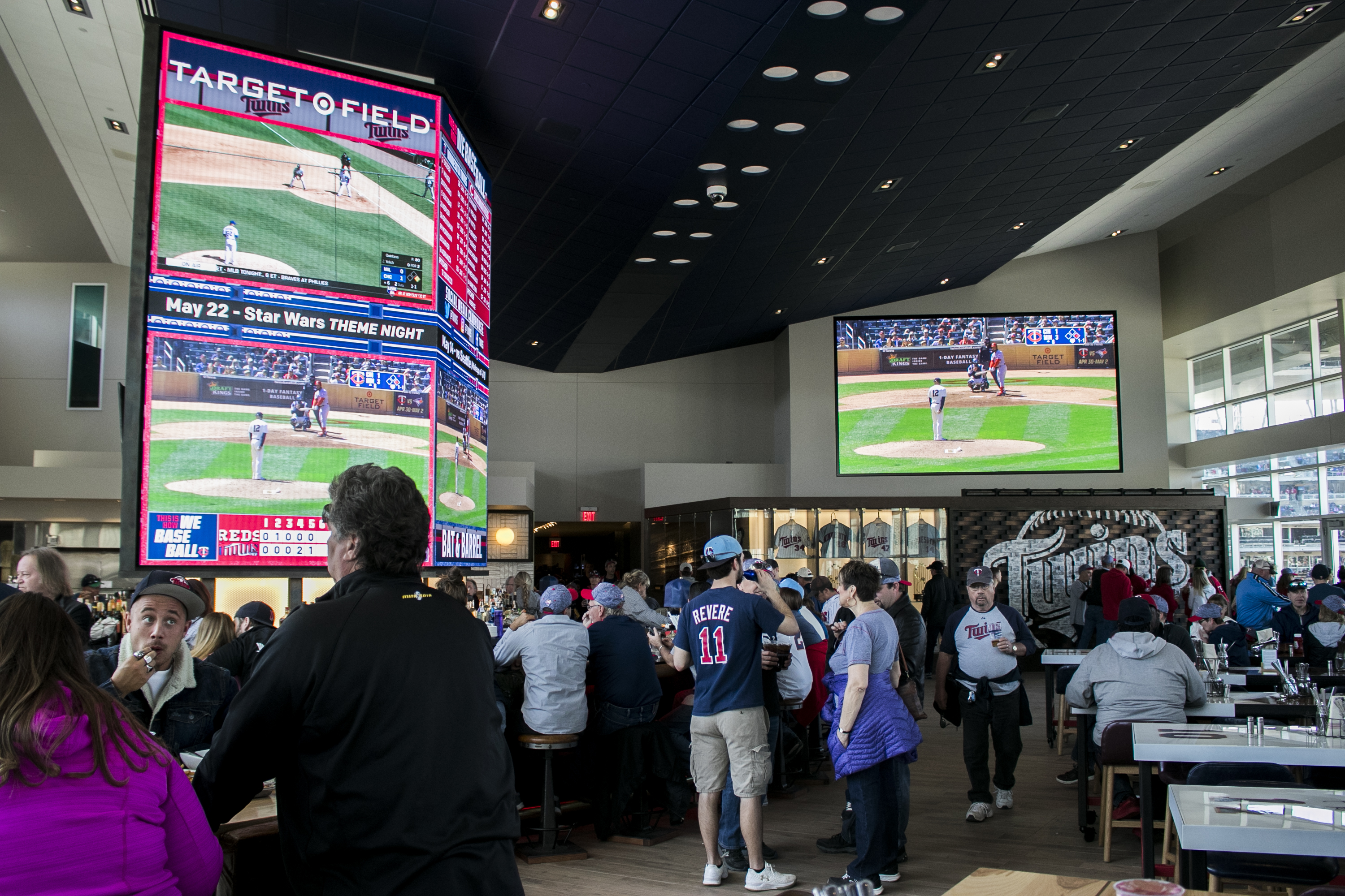 Minnesota Twins_Target Field_BatandBarrel_ NPN-4100-2.5MN-1620x2880_04