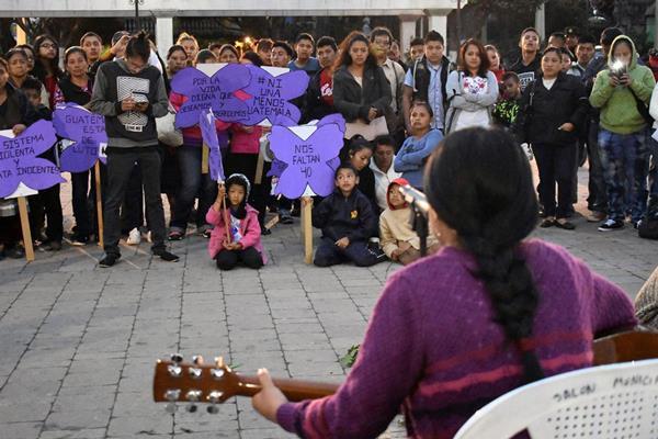 Juliette Gimon Courage Award winner Asociación Generando participates in a vigil for 41 girls murdered in Guatemala.