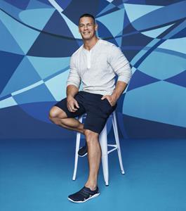 """rozmiar 7 eleganckie buty sprzedawane na całym świecie Crocs Invites Consumers to """"Come As You Are"""" with Launch of ..."""