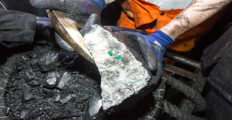 Host rock with emerald mineralization in the mine face_2