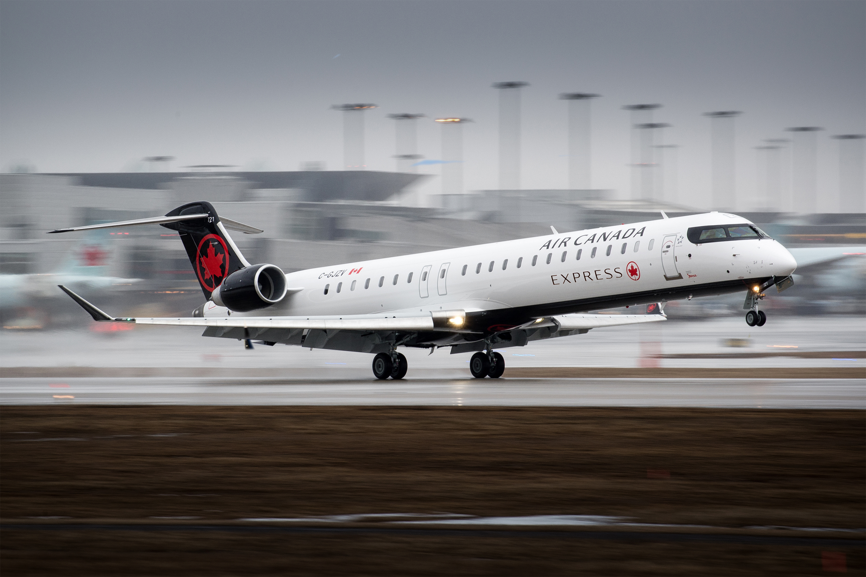 Bombardier Sells Nine CRJ900 Aircraft to Chorus Aviation