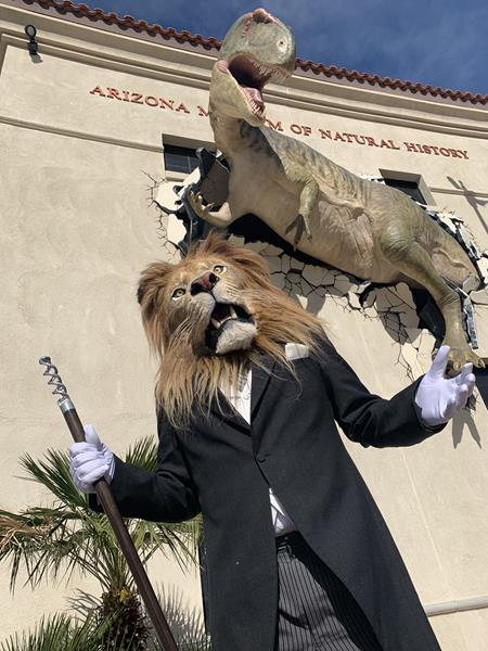 Darwin Brands Lion at Arizona Museum of Natural History @darwinbrands