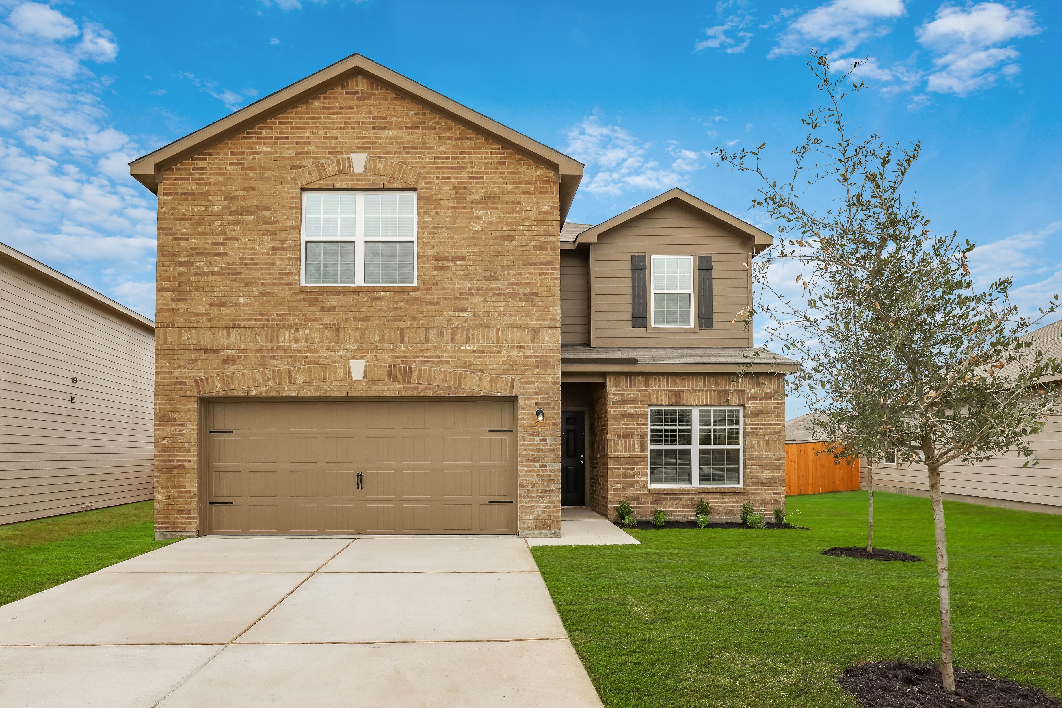 The spacious Travis plan is ready for move-in at Stonebridge Crossing in Jarrell, Texas.