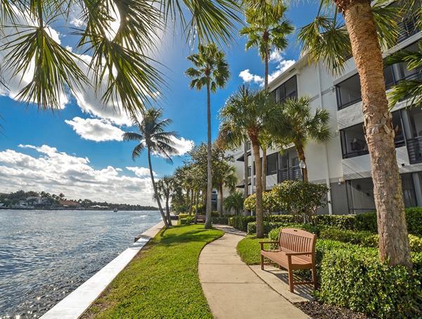 Port Royale Apartments