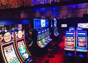Silverton Casino Hotel's new Lightning Link Lounge
