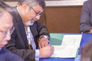 MOU_Signing_Khan 600x400.jpg