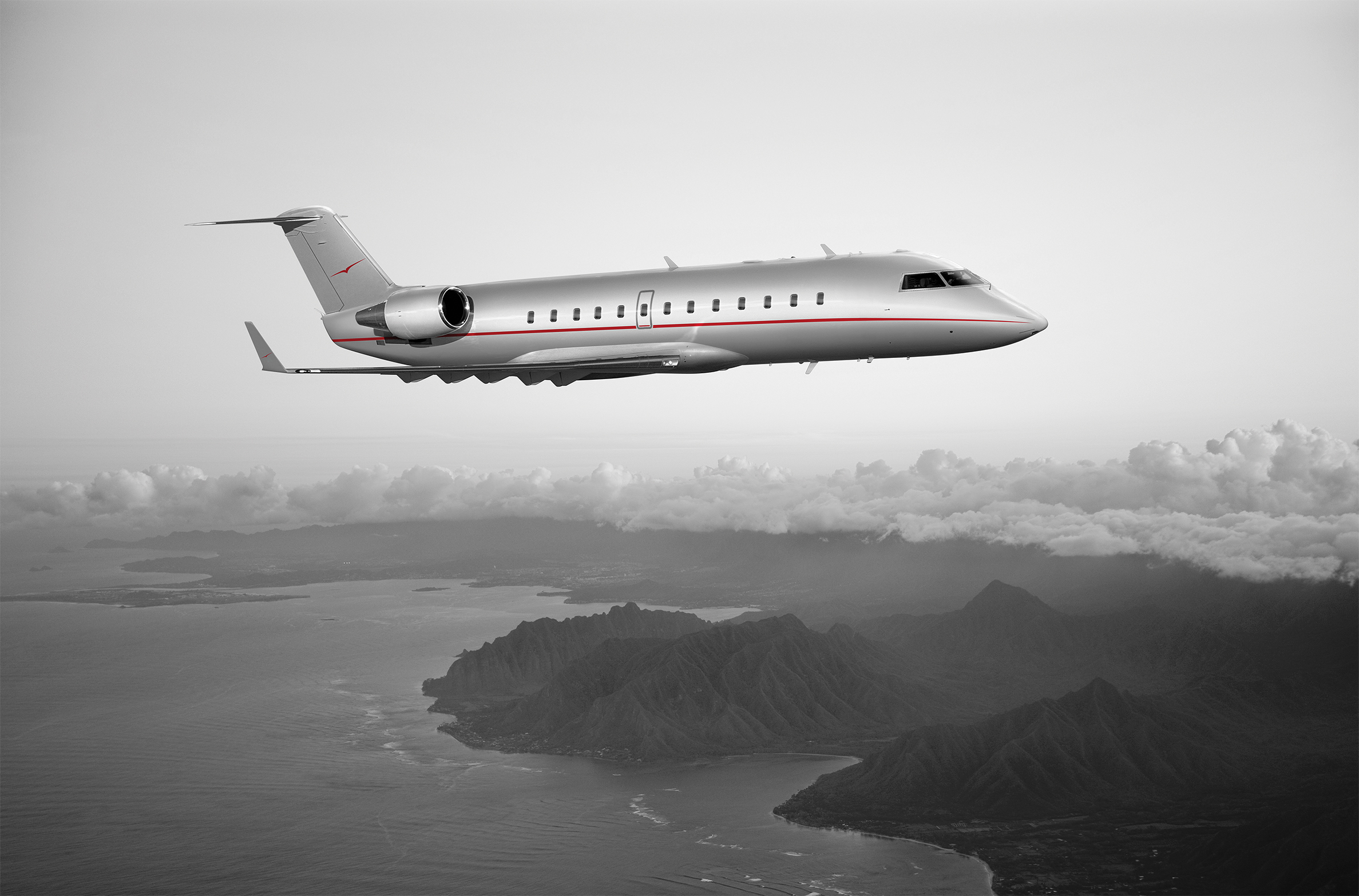 VistaJet Challenger 850 in air