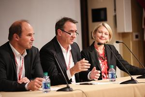 BASF leaders participate in a plenary discussion with CEOs of start-up organizations