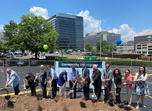 Arvinas participates in a ceremonial groundbreaking for 101 College Street, a new 525,000-square-foot-building to be constructed as part of New Haven's Downtown Crossing revitalization project.