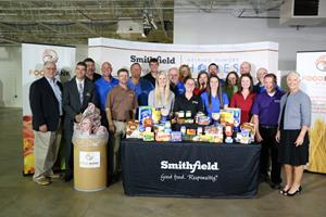 Smithfield Foods Helping Hungry Homes – Des Moines, IA