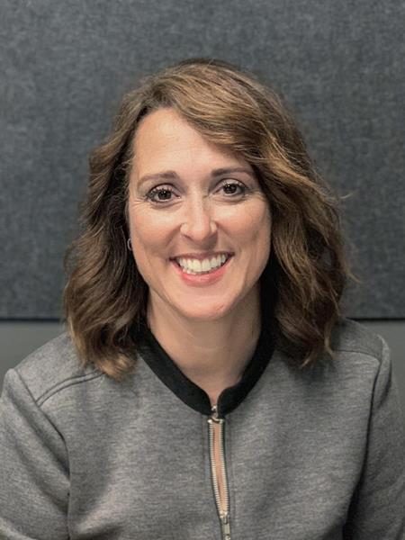 Julie Averill Headshot