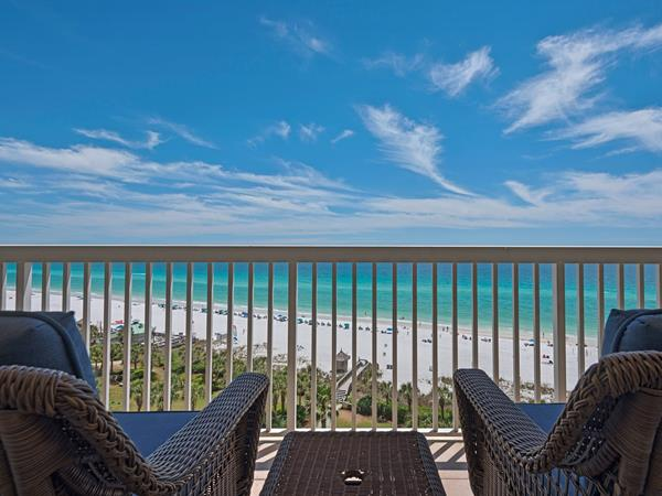 Couples will enjoy the view of Destin's white sand beaches, and feel good supporting local students when staying in a Newman-Dailey vacation rental for Valentine's Day.