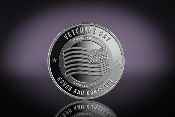 The Obverse side of the 'Honor and Gratitude' Veterans Day 1 oz Silver Round