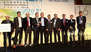 Lab4MEMS Gets Innovation Award_PHOTO.jpg