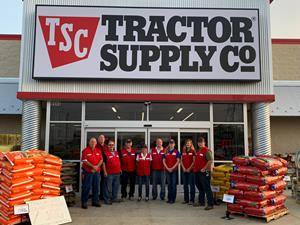 Tractor Supply Company Celebrates 1,800th Store Opening