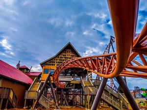 Carowinds Introduces Copperhead Strike, the Carolinas' First Double