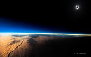 The Great American Eclipse Photographed from a Southwest Airlines Flight