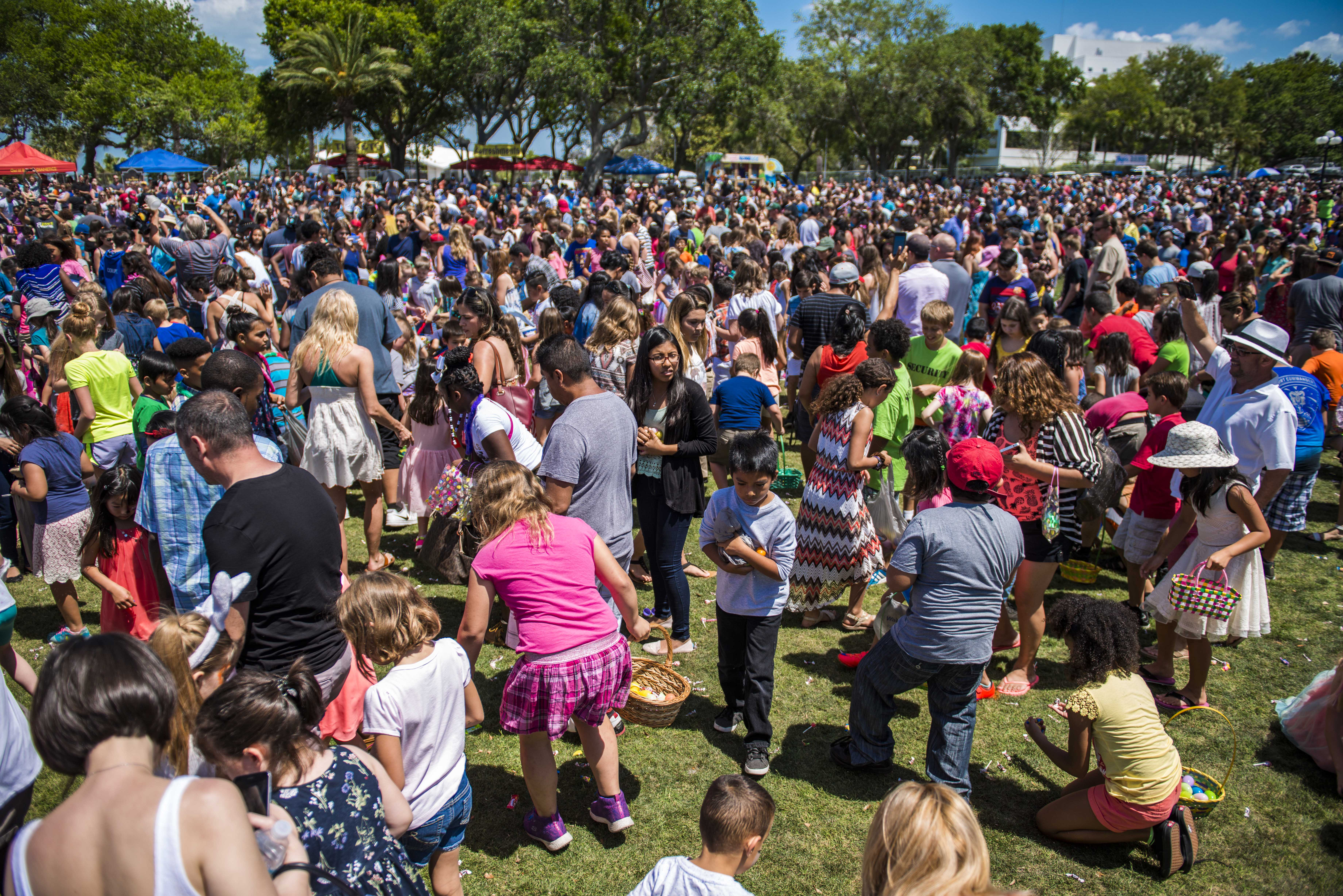 Over 8500 children_parents_grandparents and others were in Coachman Park on Easter Sunday