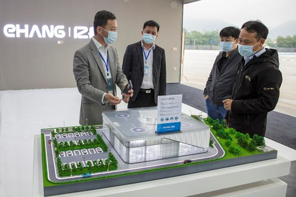 EHang Founder, Chairman and CEO Hu Huazhi and EHang CSO Edward Xu introduce the EHang E-port.