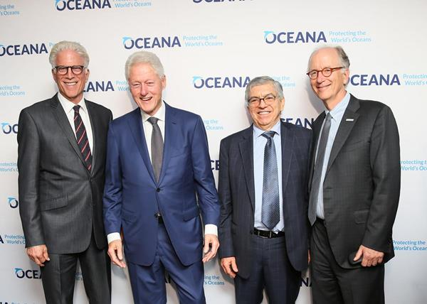 Ted Danson, Bill Clinton, César Gaviria, and Andy Sharpless at Oceana's New York Gala / Angela Pham/BFA.com