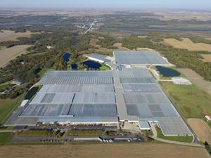 At 3.6 Million Square Feet, Red White & Bloom's Illinois Hemp Greenhouse is the World's Largest