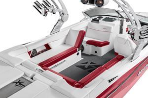 MasterCraft XT25 Interior