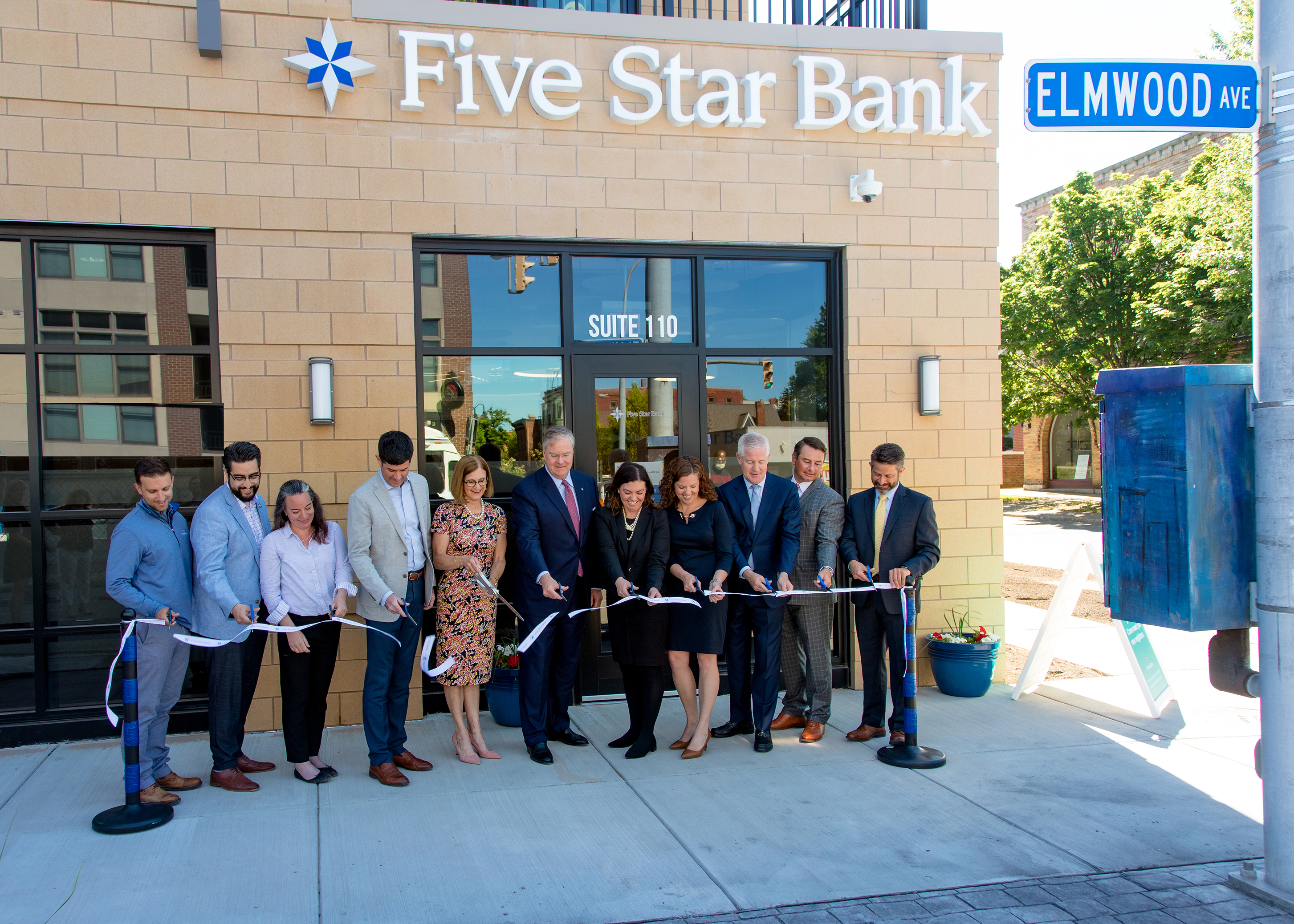 Five Star Bank Cut the Ribbon Today to Officially Open its Newest Branch in Buffalo at Elmwood Crossing thumbnail