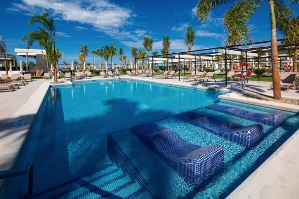 Riu-Montego-Bay---Pool