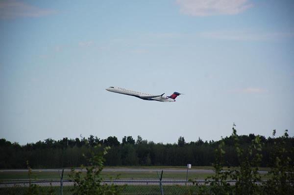 Le CRJ900 en route pour Farnborough