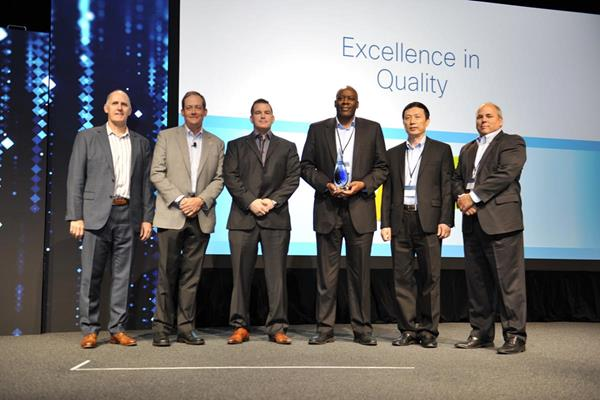 Quality - NXP Excellence In Quality Award Cisco with NXP Paul Wyatt (002)
