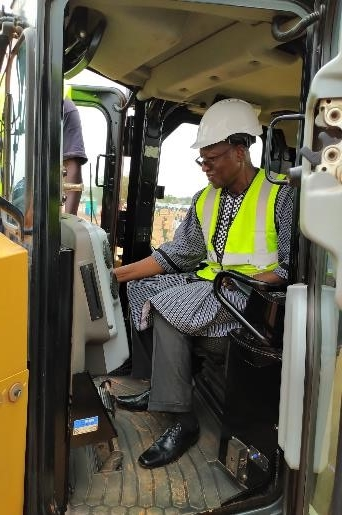 Prime Minister symbolic first shovel