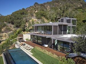 LivingHome's award-winning custom home near Beverly Hills (property view)