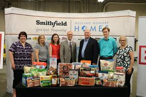 Smithfield Foods Helping Hungry Homes – Providence, RI