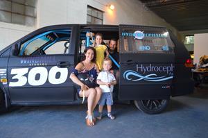 0_int_HydroRaceCar-FamilyPhoto8.JPG
