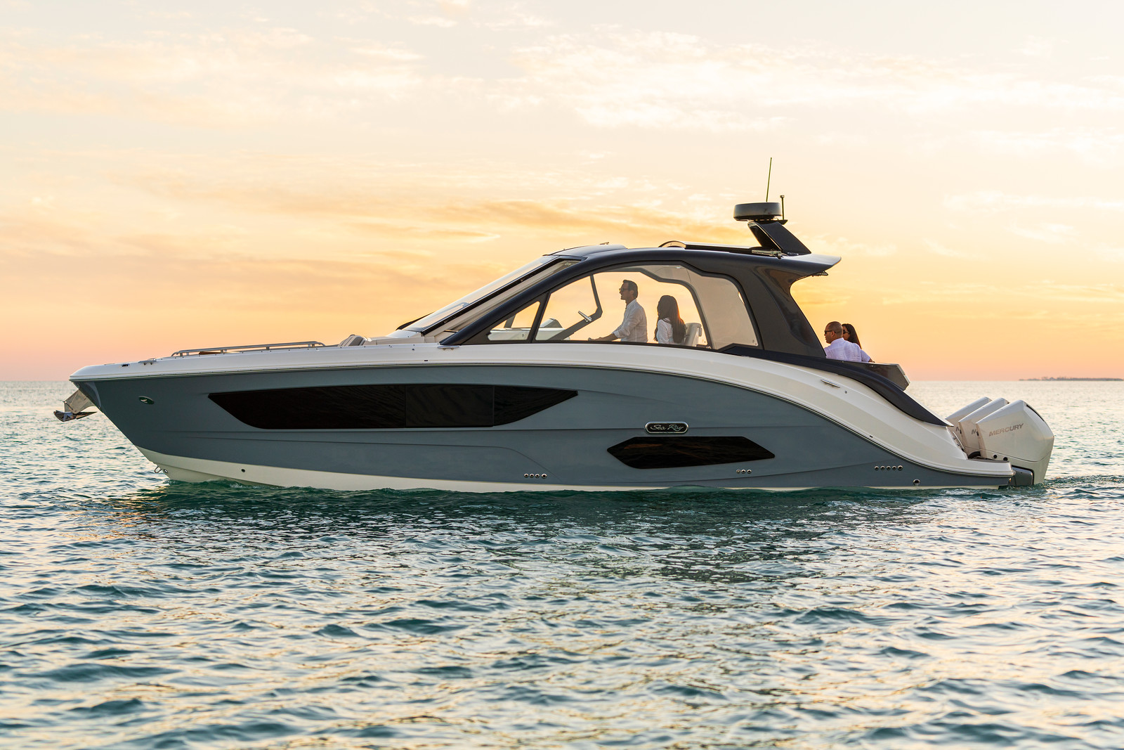 Sea Ray? Introduces the Brand-New Sundancer? 370 Outboard