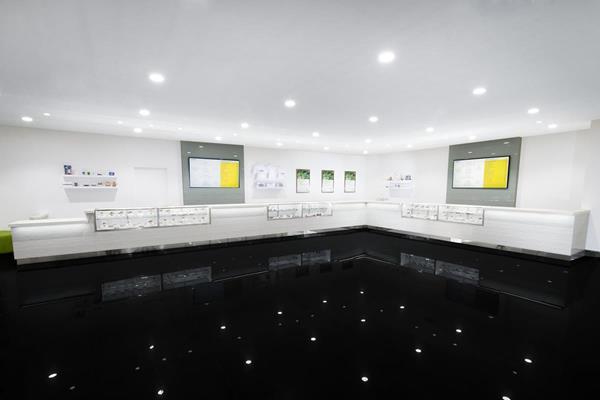 Essence - Interior View