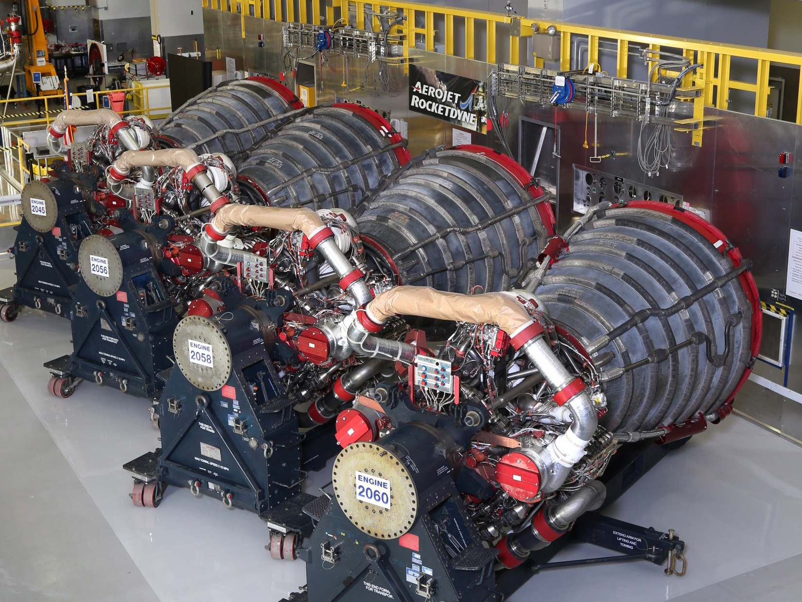 RS-25 Engines Ready for Maiden Flight 10-11-17