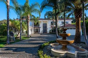 Betty Moon's Los Angeles area estate (Photo by Jason Harlem)
