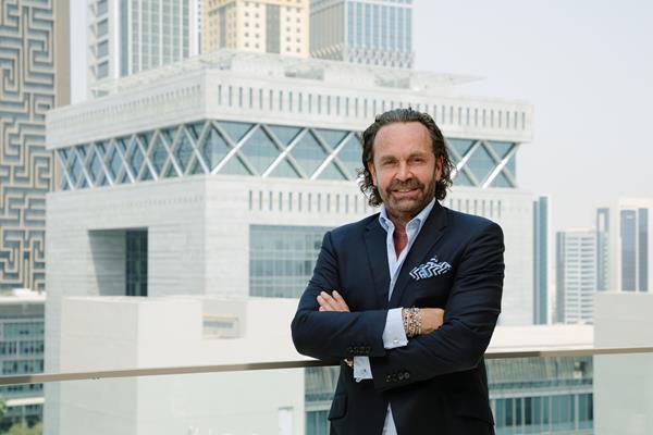 Vista Global Holding