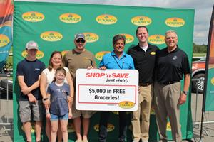 ECKRICH® TEAMS UP WITH SHOP 'N SAVE TO HONOR LOCAL MILITARY FAMILY