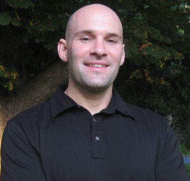 Gabriel Ettenson-Elixinol General Manager