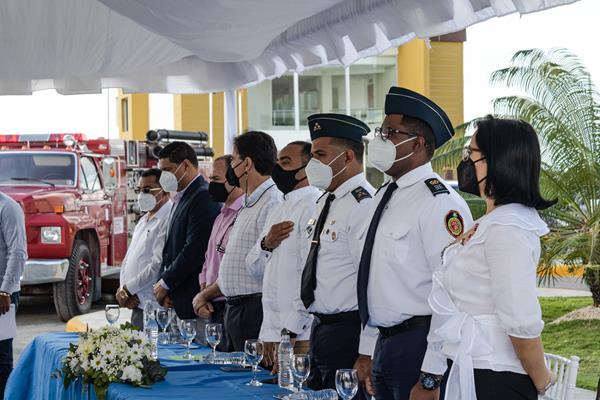 Cérémonie pour commémorer le don de camions de pompiers au service d'incendie de Punta Cana