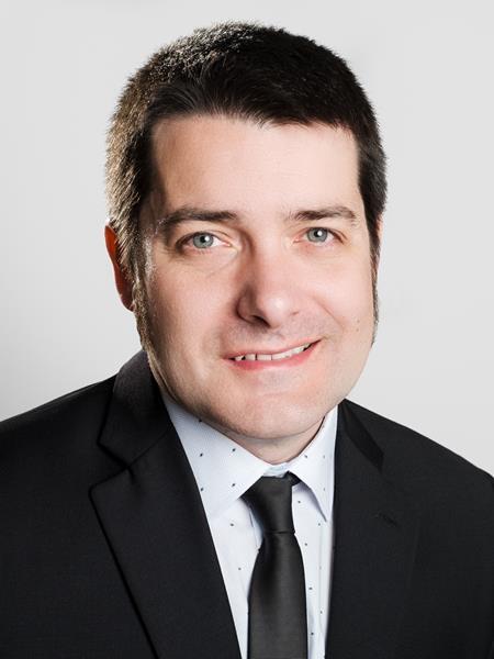 Dr. Roger Esteban-Vives