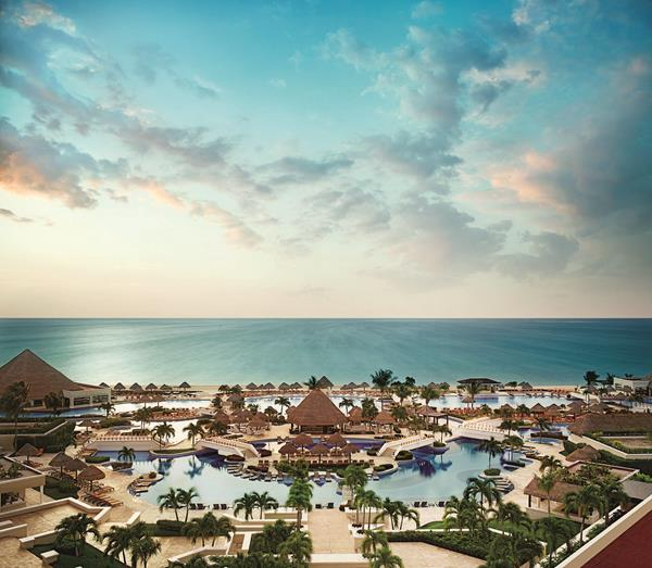 Aerial_Moon_Palace_Cancun