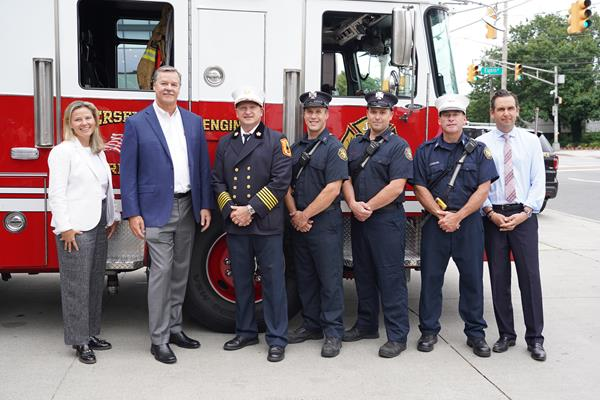 SERVPRO announces partnership with Northern Trust to honor first responders at the PGA TOUR event. Launches of Firefighter Appreciation Program and new partnership with First Responders Children's Foundation.  From left, Executive Director of THE NORTHERN TRUST Julie Tyson, SERVPRO CEO Rick Isaacson, Jersey City Battalion Chief Stephen McGill, Firefighter Craig Vagell, Firefighter Scott Hickey, and Captain Robert Legregin of Jersey City Fire Department, and Jersey City Mayor Steven Fulop.