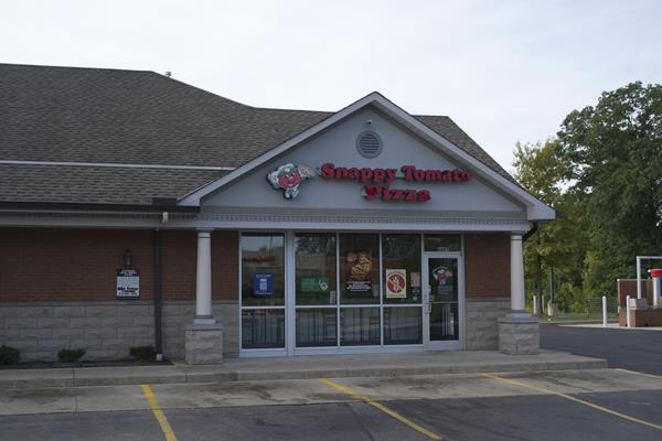 Franchisee Location – Typical Strip Mall Restaurant - Restaurant offers speedy delivery, pick-up ordering and full dining experience with menu and buffet selections.  This could be your restaurant:  https://www.snappytomato.com/franchise-info/ #SnappyTomato