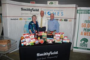 Smithfield Foods Helping Hungry Homes – Florence, SC