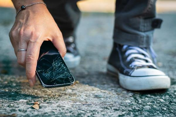 Safeware, a leading provider of product protection and extended warranty solutions, decided to investigate one of the most common and persistent perils smartphone owners face- screen damage.
