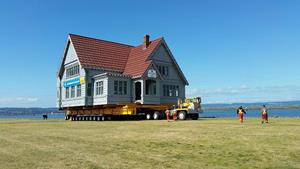 Historic Weyerhaeuser Building Successfully Moved to Boxcar Park